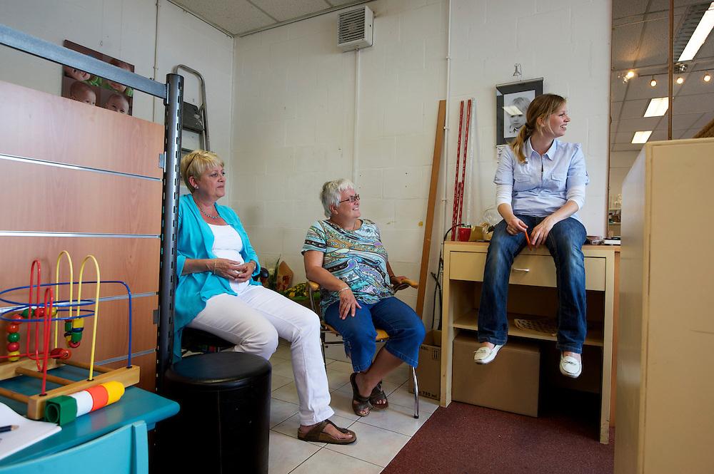 Westervoort. De laatste week van fotohandel 'Sprintfoto'. Final week at the Photo Printshop FOTO/Photo: Gerrit de Heus