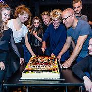 NLD/Amsterdam/20170119 - Repetitie Musicals in Concert – Live on Tour, aansnijden taart