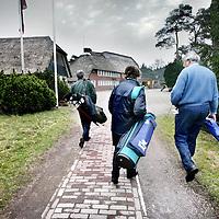 Nederland,Bosch en Duin ,29 januari 2008..Bewoners uit de omgeving van Bosch en Duin komen een partijtje golfen op het golfterrein van Golfclub de Pan aan de Amerfoortse..Bosch en Duin is een gemeente met relatief veel rijke mensen.