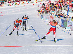 28.02.2019, Seefeld, AUT, FIS Weltmeisterschaften Ski Nordisch, Seefeld 2019, Nordische Kombination, Langlauf, im Bild v.l. Bernhard Gruber (AUT), Akito Watabe (JPN), Jarl Magnus Riiber (NOR) // f.l. Bernhard Gruber of Austria Akito Watabe of Japan and Jarl Magnus Riiber of Norway during the Cross Country Competition of Nordic Combined for the FIS Nordic Ski World Championships 2019. Seefeld, Austria on 2019/02/28. EXPA Pictures © 2019, PhotoCredit: EXPA/ Stefan Adelsberger
