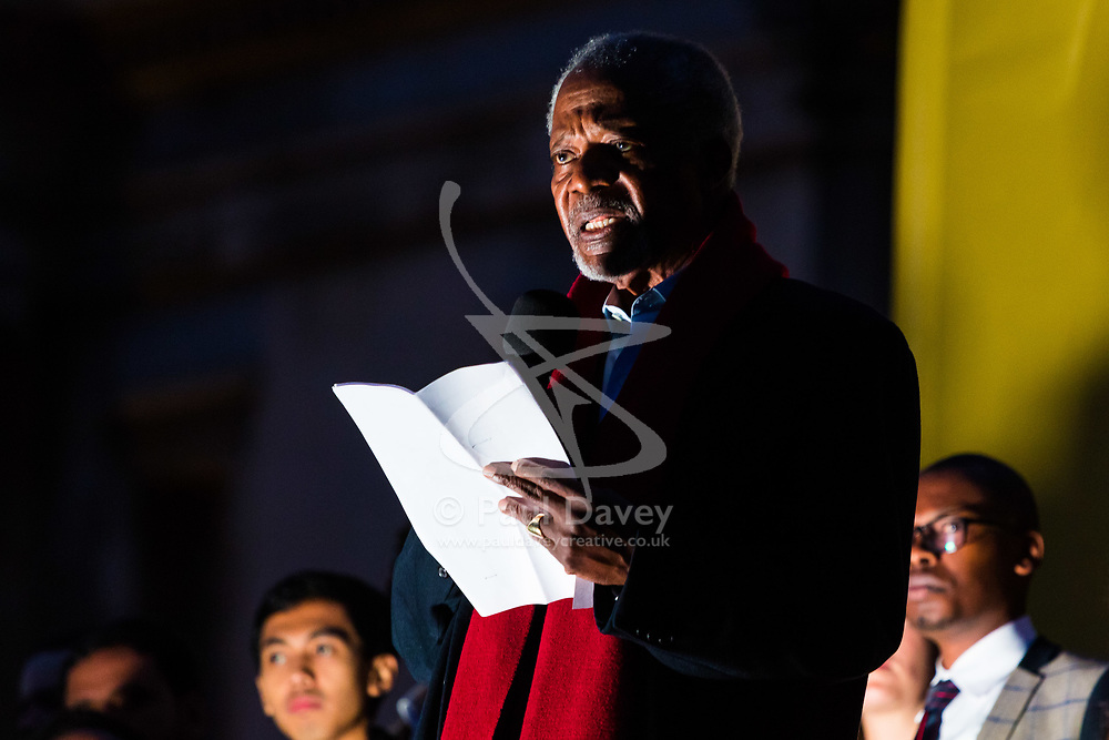 """London, October 23 2017. Nelson Mandela's group of Elders including former UN Secretary General Kofi Annan and Secretary General Ban Ki-moon accompanied by his widow Graca Machel gather at Parliament Square at the start of the Walk Together event in memory of Nelson Mandela before a candlelight vigil at his statue in Parliament Square. """"WalkTogether is a global campaign to inspire hope and compassion, celebrating communities working for the freedoms that unite us"""". PICTURED: Kofi Annan addresses the gathering in Trafalgar Square  © Paul Davey"""