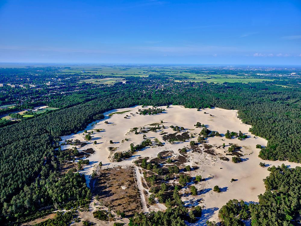 Nederland, Utrecht, Soestduinen, 14–05-2020;  zicht op de Lange Duinen en Soesterduinen en het natuurreervaat Jessurunbos.<br /> <br /> luchtfoto (toeslag op standaard tarieven);<br /> aerial photo (additional fee required)<br /> copyright © 2020 foto/photo Siebe Swart