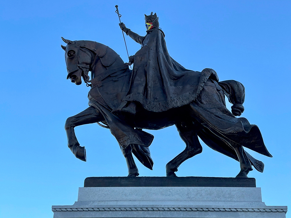 Statue of Saint Louis in Forest Park on November 28, 2020.