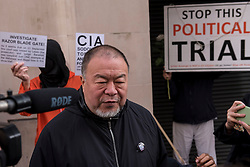 © Licensed to London News Pictures. 28/09/2020. CITY, UK.  Ai Weiwei, artist and activist, speaks to the media outside the Old Bailey Central Criminal Court in solidarity with Julian Assange, Wikileaks founder.  Mr Assange's extradition trial is currently being heard inside.  Photo credit: Stephen Chung/LNP
