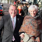 NLD/Amsterdam/20080201 - Verjaardagsfeest Koninging Beatrix en prinses Margriet, Relus ter Beek en partner Anneke