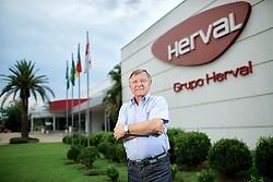 O presidente do grupo Herval, José Agnelo Seger, na sede da empresa, na cidade de Dois Irmãos. FOTO: Jefferson Bernardes/Preview.com