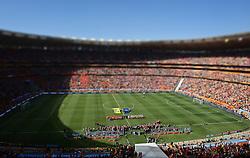 14-06-2010 VOETBAL: FIFA WORLDCUP 2010 NEDERLAND - DENEMARKEN: JOHANNESBURG<br /> Een goed gevuld  Soccer City Stadium, Oranje publiek<br /> ©2010-FRH- NPH/  Mark Atkins (Netherlands only)