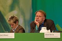 28 NOV 2003, DRESDEN/GERMANY:<br /> Renate Kuenast (L), B90/Gruene, Bundesverbraucherschutzministerin, und Juergen Trittin (R), B90/Gruene, Bundesumweltminister, 22. Ordentliche Bundesdelegiertenkonferenz Buendnis 90 / Die Gruenen, Messe Dresden<br /> IMAGE: 20031128-01-112<br /> KEYWORDS: Bündnis 90 / Die Grünen, BDK, Gespräch, Jürgen Trittin, Renate Künast<br /> Parteitag, party congress, Bundesparteitag