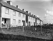 29/09/1952<br /> 09/29/1952<br /> 29 September 1952<br /> Three pairs of twins living on Courtown Road, Kilcock , Co. Kildare.