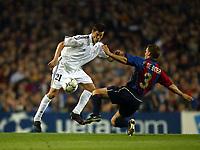 Fotball. UEFA Champions League. Første semifinale. 23.04.2002.<br /> Barcelona v Real Madrid 0-2.<br /> Santiago Solari, Real Madrid.<br /> Franck De Boer, Barcelona.<br /> Foto: David Rawcliffe, Digitalsport