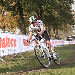 07-11-2020: Wielrennen: EK Veldrijden: Rosmalen<br /> Ryan Kamp U23 world champion takes the European cyclocross title in Rosmal