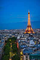 Glowing Eiffel Tower @ Blue Hour