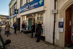 The county town of Peebles is taking no chances with the Coronavirus with shops taking their own decisions on the numbers of cutsomers permitted at any one time; chemists, butchers and fishmongers limiting the number to four.