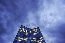 THEMENBILD - OMV, Zentrale in Wien. Die OMV ist ein Mineralölförderungs und -verarbeitungskonzern. Sie ist das größte börsennotierte Unternehmen in Österreich. Aufgenommen am 20.10.2014 in Tirol, Österreich // OMV headquarter. The OMV is a international oil and gas company. Vienna, Austria on 2014/10/20. EXPA Pictures © 2014, PhotoCredit: EXPA/ Michael Gruber