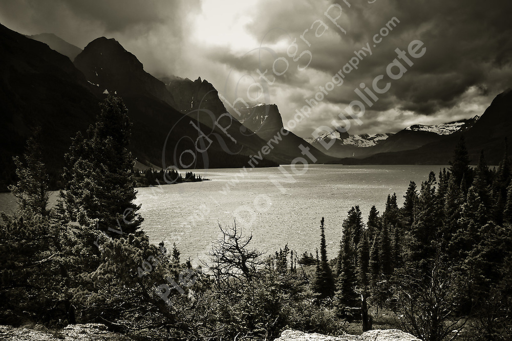 Images from a camping trip to Glacier National Park in Montana.<br /> <br /> ©2010, Sean Phillips<br /> http://www.RiverwoodPhotography.com