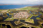 Nederland, Noord-Holland, Naarden, 16-04-2008; Naarden vesting met het Gooimeer in de achtergrond; Almere in de verre verte..luchtfoto (toeslag); aerial photo (additional fee required); .foto Siebe Swart / photo Siebe Swart