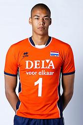 20150506 NED: Selectie Nederlands volleybal team mannen, Arnhem<br />Op Papendal werd het Nederlands team volleybal seizoen 2015-2016 gepresenteerd / Nimir Abdelaziz<br />©2015-FotoHoogendoorn.nl / Pim Waslander