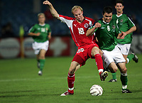 Ludovic Magnin (SUI) gegen Damien Johnston Nordirland. © Valeriano Di Domenico/EQ Images