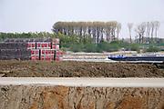 Nederland, Ophemert, 15-4-2019Grote stapels stenen, bakstenen, liggen op het terrein van steenfabriek Zennewijnen .Foto: Flip Franssen