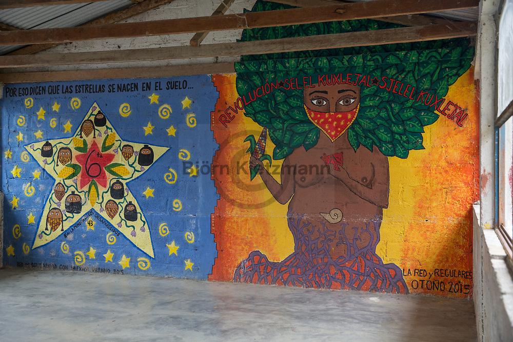 Oventic, Mexico - 04.01.2019<br /> <br /> Political murals in the Zapatista community of Oventic. The community is a stronghold of the EZLN rebels and one of the five Zapatista administrative centers - a so-called Caracol.<br /> <br /> Politische wandbilder in der zapatistischen Gemeinde Oventic. Die Gemeinde ist eine Hochburg der EZLN Rebellen und Sitz von einem der fuenf zapatistischen Verwaltungszentren - ein sogenanntes Caracol <br />  <br /> Photo: Bjoern Kietzmann