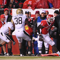 Oct 16, 2009; Piscataway, NJ, USA; Rutgers tight end Shamar Graves (3) makes a catch in the red zone during first half NCAA football action in Pittsburgh's 24-17 victory over Rutgers at Rutgers Stadium.