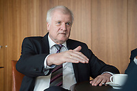 20 JUN 2018, BERLIN/GERMANY:<br /> Horst Seehofer, CSU, Bundesinnenminister, waehrend einem Interview, in seinem Buero, Bundesministerium des Inneren<br /> IMAGE: 20180620-02-030<br /> KEYWORDS: Büro