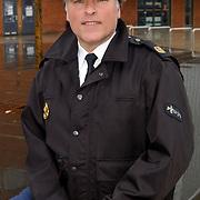 Politieagent Gooi & Vechtstreek Gerrit Plaggenburg stopt als wijkagent Huizen..agent, uitgaanscentrum graafWichman, politieuniform, pet,