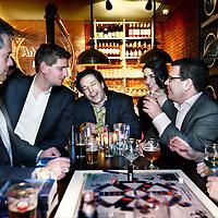 Nederland, Amsterdam , 25 april 2012..Gemeenteraadsleden gaan Amsterdams Triviant spelen in café Amstelhoeck (vm Dantzig) met aan tafel 3e raadslid van D66 Jan Paternotte..Foto:Jean-Pierre Jans