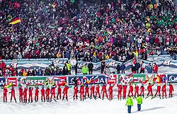 "29.01.2019, Planai, Schladming, AUT, FIS Weltcup Ski Alpin, Slalom, Herren, 1. Lauf, im Bild Zuschauer bei der Fahnenpräsentation // Spectators at Flag Parade during the men's Slalom ""the Nightrace"" of FIS ski alpine world cup at the Planai in Schladming, Austria on 2019/01/29. EXPA Pictures © 2019, PhotoCredit: EXPA/ JFK"