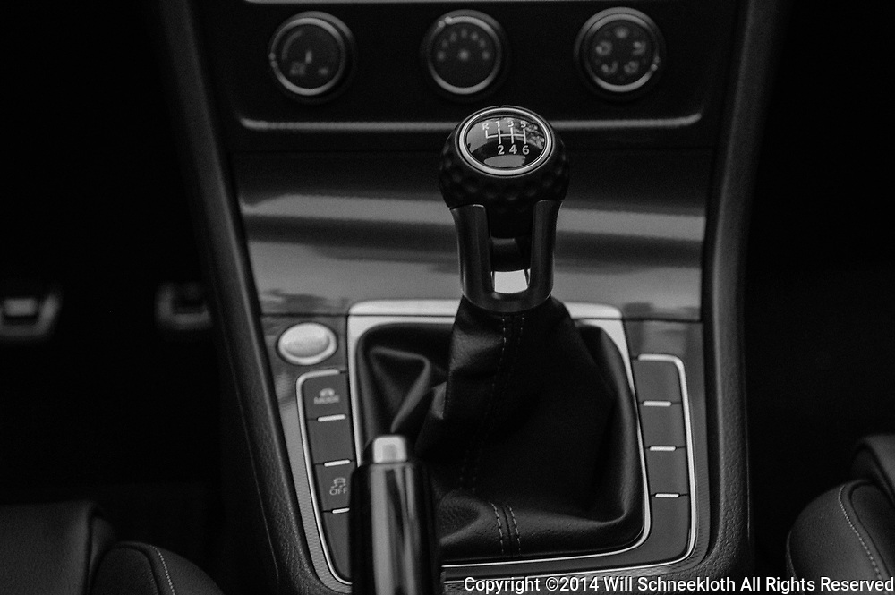 2014 Volkswagen GTI SE in Tornado Red