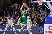DESCRIZIONE : Eurocup 2014/15 Last32 Dinamo Banco di Sardegna Sassari -  Banvit Bandirma<br /> GIOCATORE : Earl Rowland<br /> CATEGORIA : Tiro Controcampo<br /> SQUADRA : Banvit Bandirma<br /> EVENTO : Eurocup 2014/2015<br /> GARA : Dinamo Banco di Sardegna Sassari - Banvit Bandirma<br /> DATA : 11/02/2015<br /> SPORT : Pallacanestro <br /> AUTORE : Agenzia Ciamillo-Castoria / Luigi Canu<br /> Galleria : Eurocup 2014/2015<br /> Fotonotizia : Eurocup 2014/15 Last32 Dinamo Banco di Sardegna Sassari -  Banvit Bandirma<br /> Predefinita :
