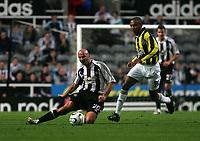 Photo: Andrew Unwin.<br /> Newcastle United v Fenerbahce. UEFA Cup. 19/10/2006.<br /> Newcastle's Antoine Sibierski (L).