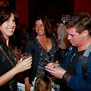 NLD/Amsterdam/20110413 - Mama of the Year award 2011, Isa Hoes, Amanada Krabbe - Beekman en partner Martijn