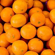 Fresh juicy oranges (Wroclaw, Poland - Aug. 2008) (Image ID: 080807-1654201a)