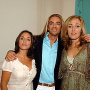 NLD/Amsterdam/20060907 - Presentatie Tom Hairwellness van Tom Sebastian, Sabine Koning, Tom en Isabelle Brinkman
