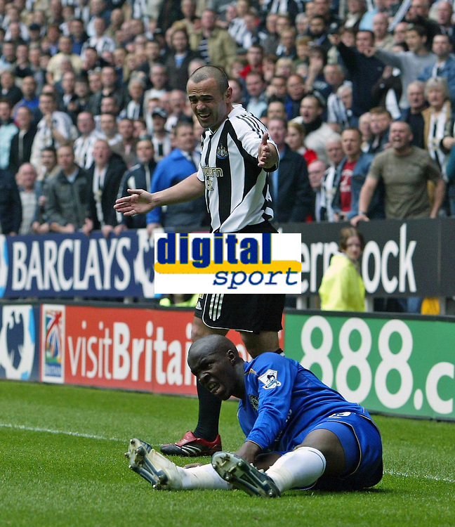 Photo: Andrew Unwin.<br /> Newcastle United v Chelsea. The Barclays Premiership. 07/05/2006.<br /> Newcastle's Stephen Carr (L) pleads his innocence while Chelsea's Lassana Diarra (R) cries out in pain.