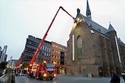 Nederland, Nijmegen, 24-11-2018De brandweer rukte uit naar de Marienburgkapel voor een melding van beginnende brand. Rookontwikkeling in  de schoorsteen in het huis van sinterklaas. Het bleek loos alarm wantn de rook kwam van de verwarmingsketel .Foto: Flip Franssen