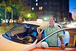 O taxista João Ribeiro, que carregou feridos da boate para hospitais durante a tragédia onde morreram mais de 230 pessoas no incêndio da Boate Kiss, em Santa Maria. FOTO: Jefferson Bernardes/Preview.com