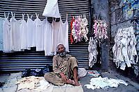 Pakistan, Khyber Pakhtunkhwa, Peshawar, Bazar des sous-vêtements dans la vieille ville // Peshawar, lingerie bazar, Old city, Khyber Pakhtunkhwa, Pakistan