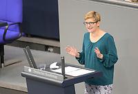 DEU, Deutschland, Germany, Berlin, 20.11.2020: Susann Rüthrich (SPD) bei einer Rede im Plenarsaal des Deutschen Bundestags.