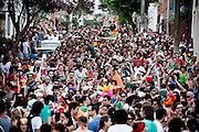 Belo Horizonte_MG, 20 de fevereiro de 2012.<br /> <br /> Belotur_Carnaval BH<br /> <br /> O bloco de carnaval Coletivo do Delirio desfila pelas ruas do bairro Funcionarios, saindo do encontro das avenidas Getulio Vargas com Contorno e encontrando com o Bloco do Grito na praca Joao Pessoa, na avenida Carandai com Brasil. <br /> <br /> Foto: NIDIN SANCHES / NITRO