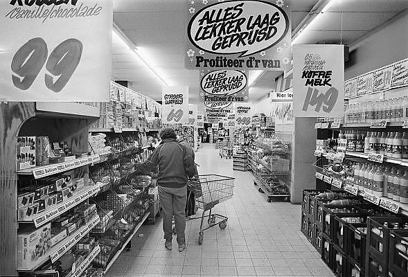 Nederland, Nijmegen, 15-7-1984Interieur van een supermarkt van de C1000. Prijzen in guldens.Foto: Flip Franssen/Hollandse Hoogte