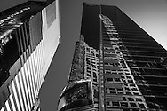 New York. times square architecture. Ernst and Young tower. / la tour de Ernst and Young .architecture Times square   New york - Etats unis