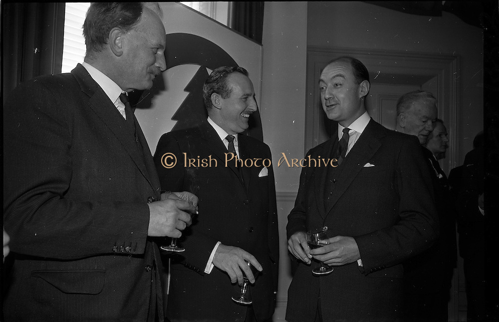 01/04/1963<br /> 04/01/1963<br /> 01 April 1963<br /> SPAR reception at the Shelbourne Hotel, Dublin. The reception announced the formation of SPAR (Ireland) Ltd. comprised of the Irish Wholesale Grocers Firms: Amalgamated Wholesalers Ltd., (P. Barrett and Sons Ltd., Dublin; D. Tyndall and Sons Ltd., Dublin and McNulty and O'Reilly Ltd., Bray); Munster United Merchants Ltd., (Maurice P. Daly Ltd., Cork and The Jamaica Banana Co. Cork) and Messrs Looney and Co. Ltd., Limerick. D.A. Young (H.J. Heinz and Co.); Richard L. Read, Managing Director SPAR (Britain) Ltd. and M.J. Cullen (W. & C. McDonnell).
