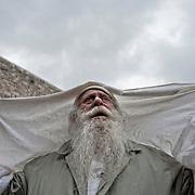Jérusalem, israël, le jeudi 21 avril 2011 - près de 10 000 fidèles étaient rassemblés au mur des lamentations pour la bénédiction des Cohanim (prêtres juifs) au quatrième jour de Pessah (Pâques juive)