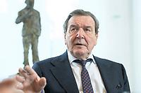 11 DEC 2019, HANNOVER/GERMANY:<br /> Gerhard Schroeder, SPD, Bundeskanzler a.D., waehrend einem Interview, im Buero seiner Anwaltskanzlei<br /> IMAGE: 20191211-01-013<br /> KEYWORDS: Gerhard Schröder, Büro