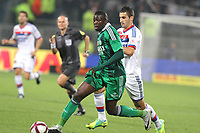 FOOTBALL - FRENCH CHAMPIONSHIP 2011/2012 - L1 - OLYMPIQUE LYONNAIS v AS SAINT ETIENNE  - 29/10/2011 - PHOTO EDDY LEMAISTRE / DPPI -    MAXIME GONALONS  (OL) AND  BAKARY SAKO (ASSE)