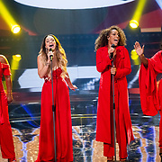 NLD/Hilversum/20180216 - Finale The voice of Holland 2018, Kimberly Maasdamme treedt op met The Lady's of Soul