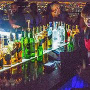 THA/Bangkok/20160729 - Thailand 2016 Bangkok, The Moon Bar in Bangkok, hoogste bar op een wolkenkrabber in de buitenlucht