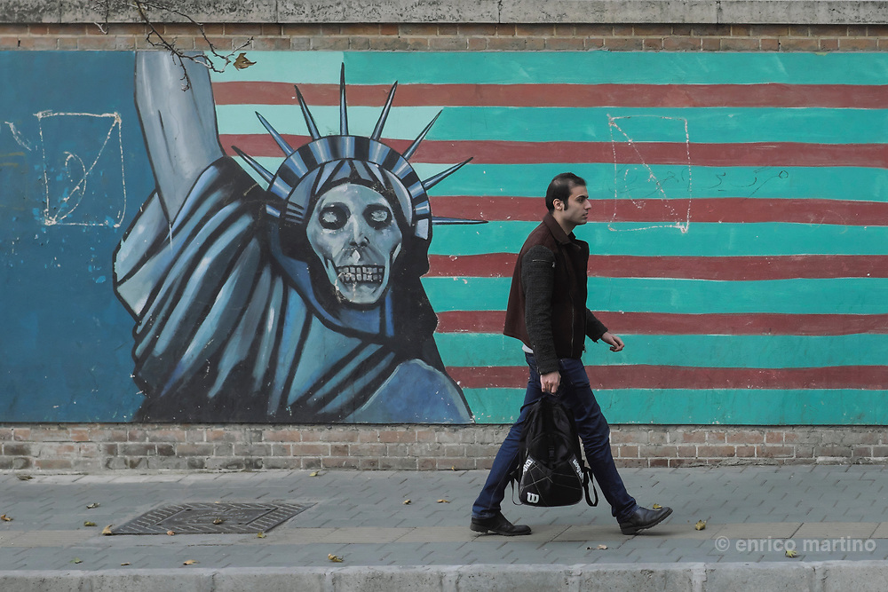 US Den of Espionage. The former US embassy was the focal point of the 1979 revolution, when it was stormed by students who then held 52 diplomats hostage for 444 days. Today the compound is occupied by the Student Basij Organisation dedicated to defending the revolution. Anti-US and Israel, and pro-Islam murals